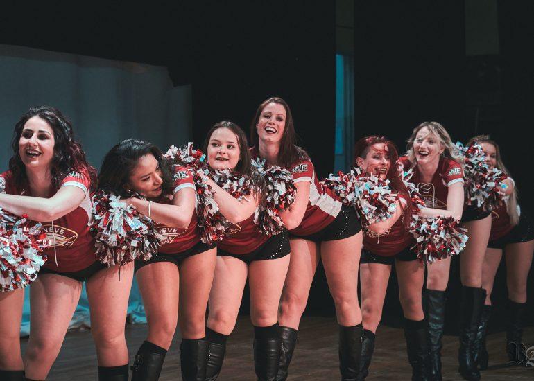 Photo lors d'une chorégraphe des Geneva Wild Eagles Cheerleaders lors de la soirée de gala