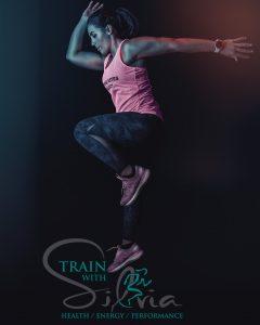 Photo de Train With Silvia sautant au dessus de son logo