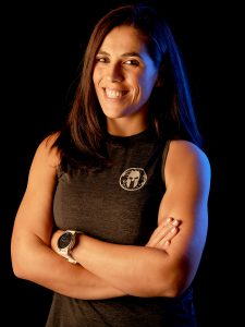 portrait d'une femme coach sportive